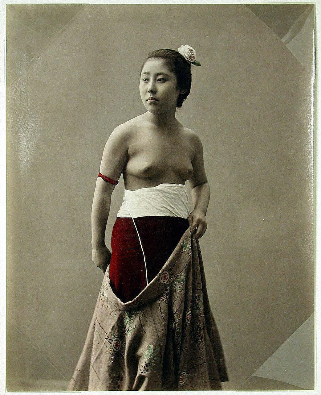 Полуголая Женщина. 1880-е