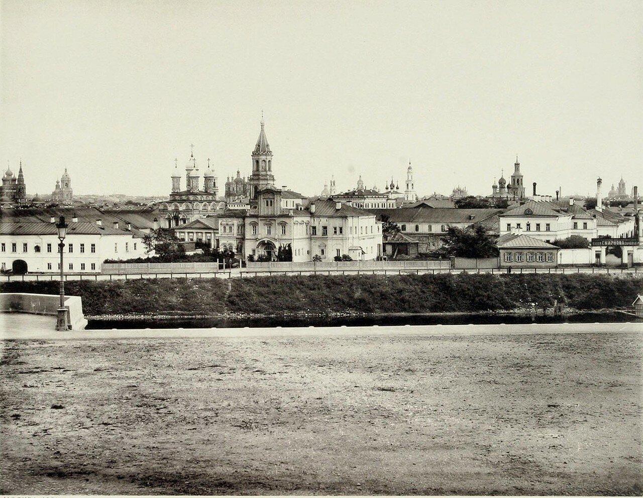 344. 1-й вид Берсеневской набережной