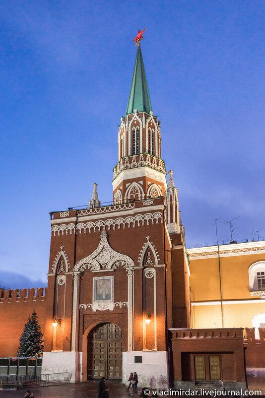 Предновогодняя Москва 2015. Красная площадь. Никольская башня.