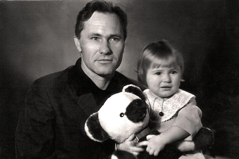 Смотреть домашний архив фото молодой семьи 4 фотография