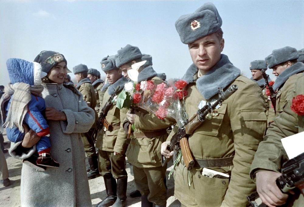 самых простых картинка солдат афганцев теперь соединяем