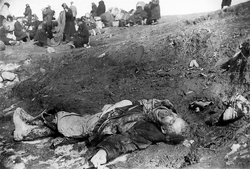 Эвакуируемый ленинградец, умерший от голода в порту Кобона