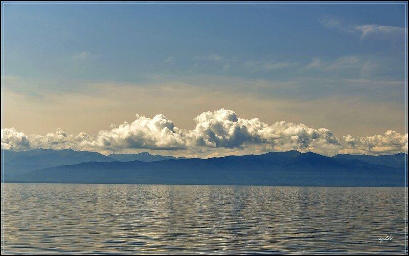 Дивные пейзажи рисуют облака
