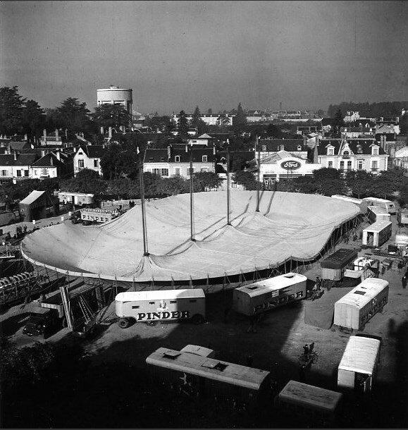 1949. Монтаж шатра цирка Пиндера
