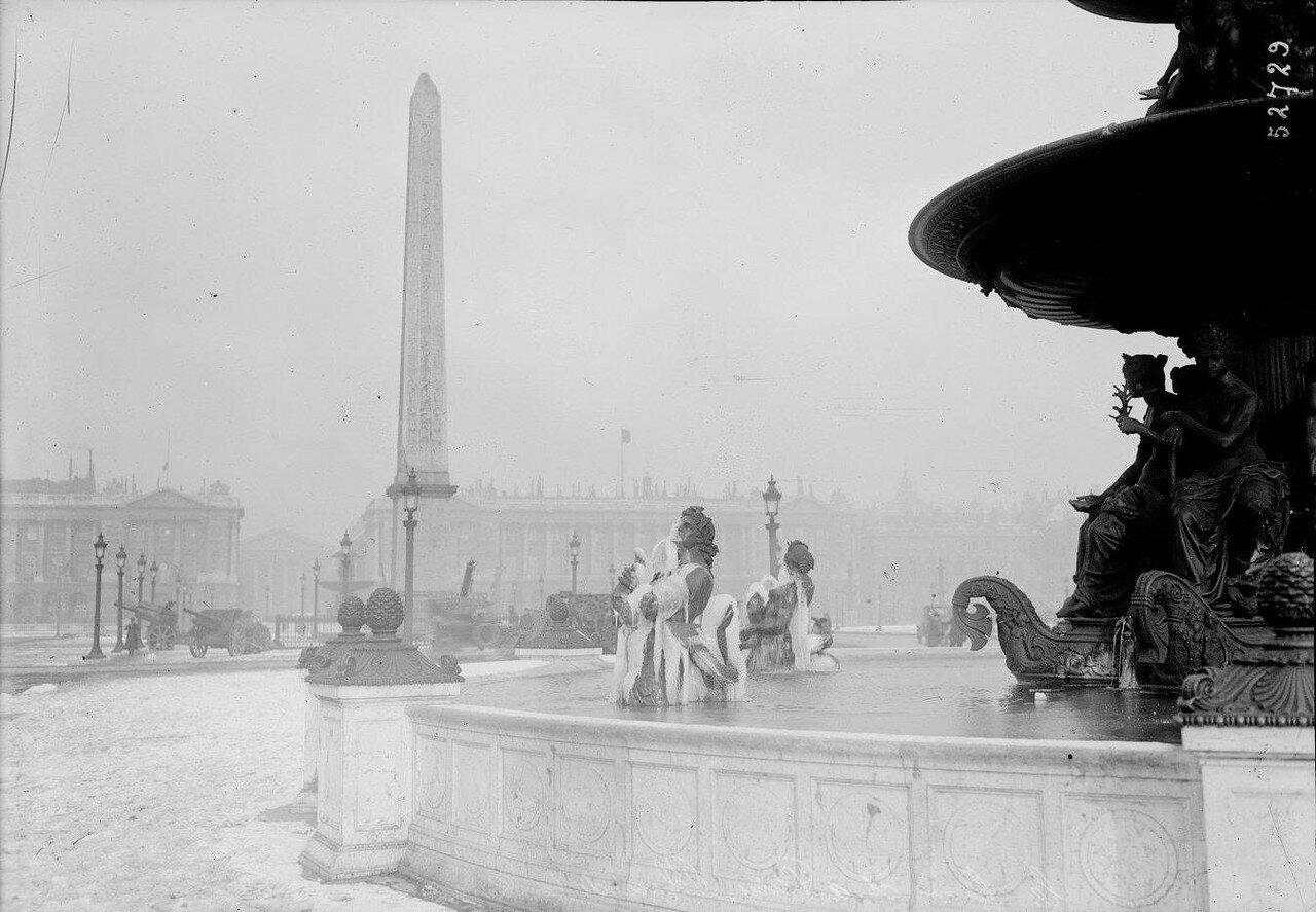 1919, Февраль. Замерзший фонтан на Пляс де ля Конкорд