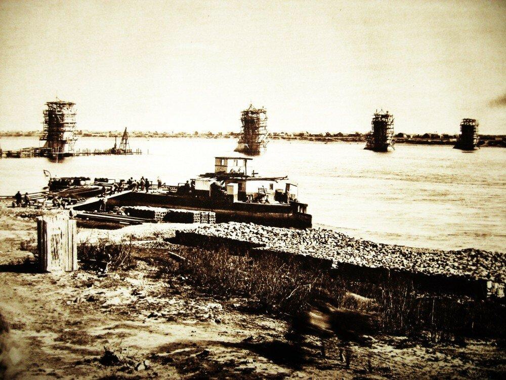 39. Постройка моста через реку Зею