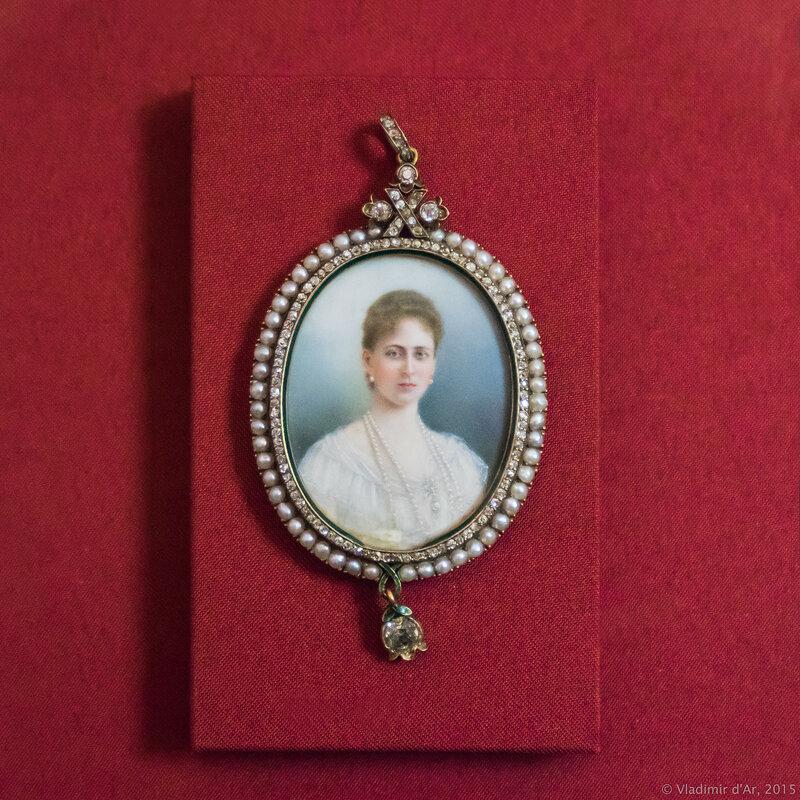 Медальон подвесной с портретом великой княгини Елизаветы Федоровны. Москва. 1901 г. Фирма Ф. Лорие