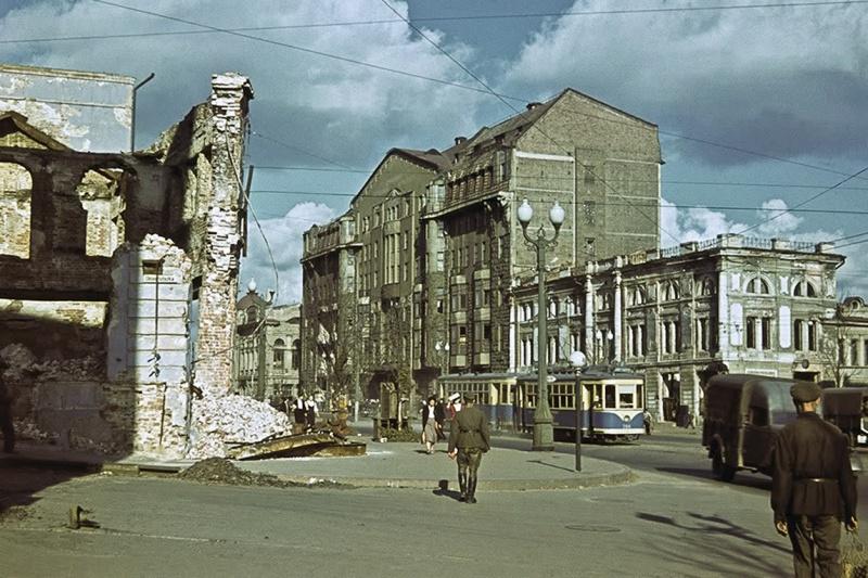 Вид на гостиницу «Астория» в оккупированном Харькове