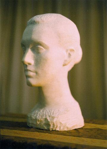 А.В. Климков. Портрет Марины. Мрамор. 1990