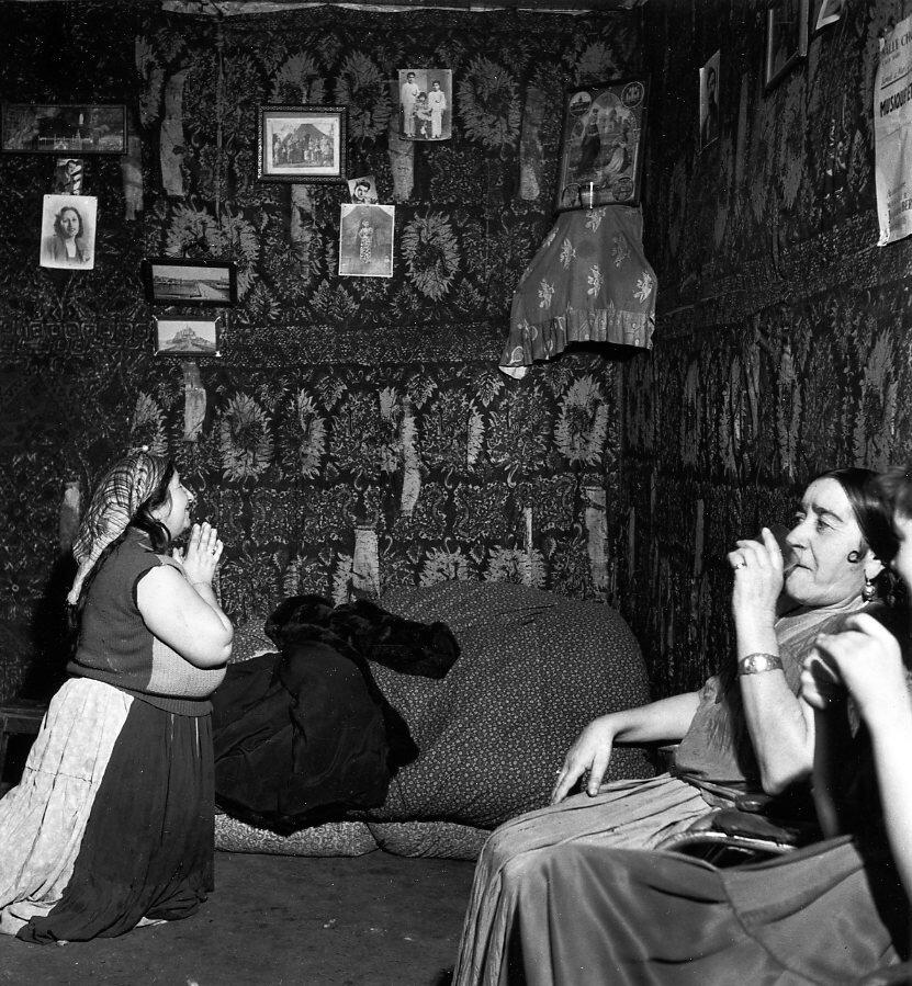 1950. Час молитвы,Монтрёй