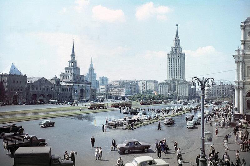 1950е Комсомольская площадь Шагин.jpg