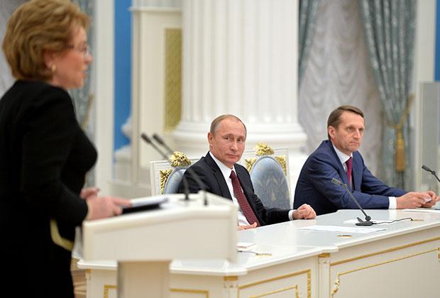 Матвиенко на встрече президента с ФС 22.12.14.jpg