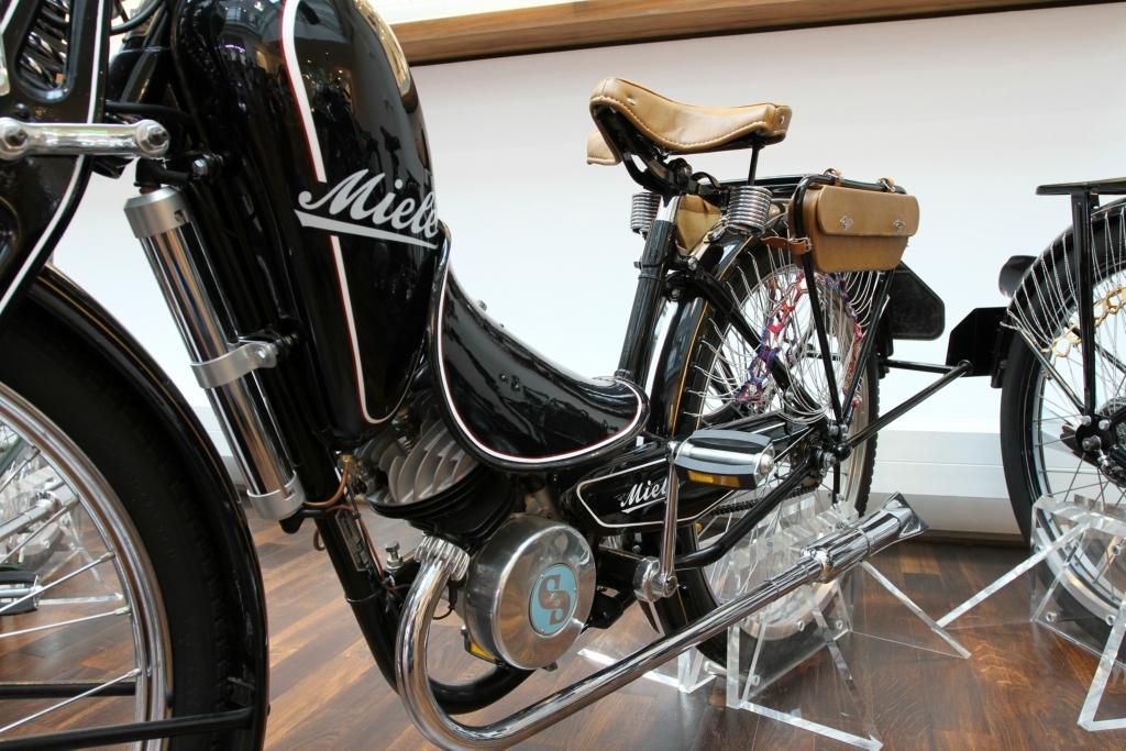 Damen-Motorfahrrad H 6 (98 ccm)