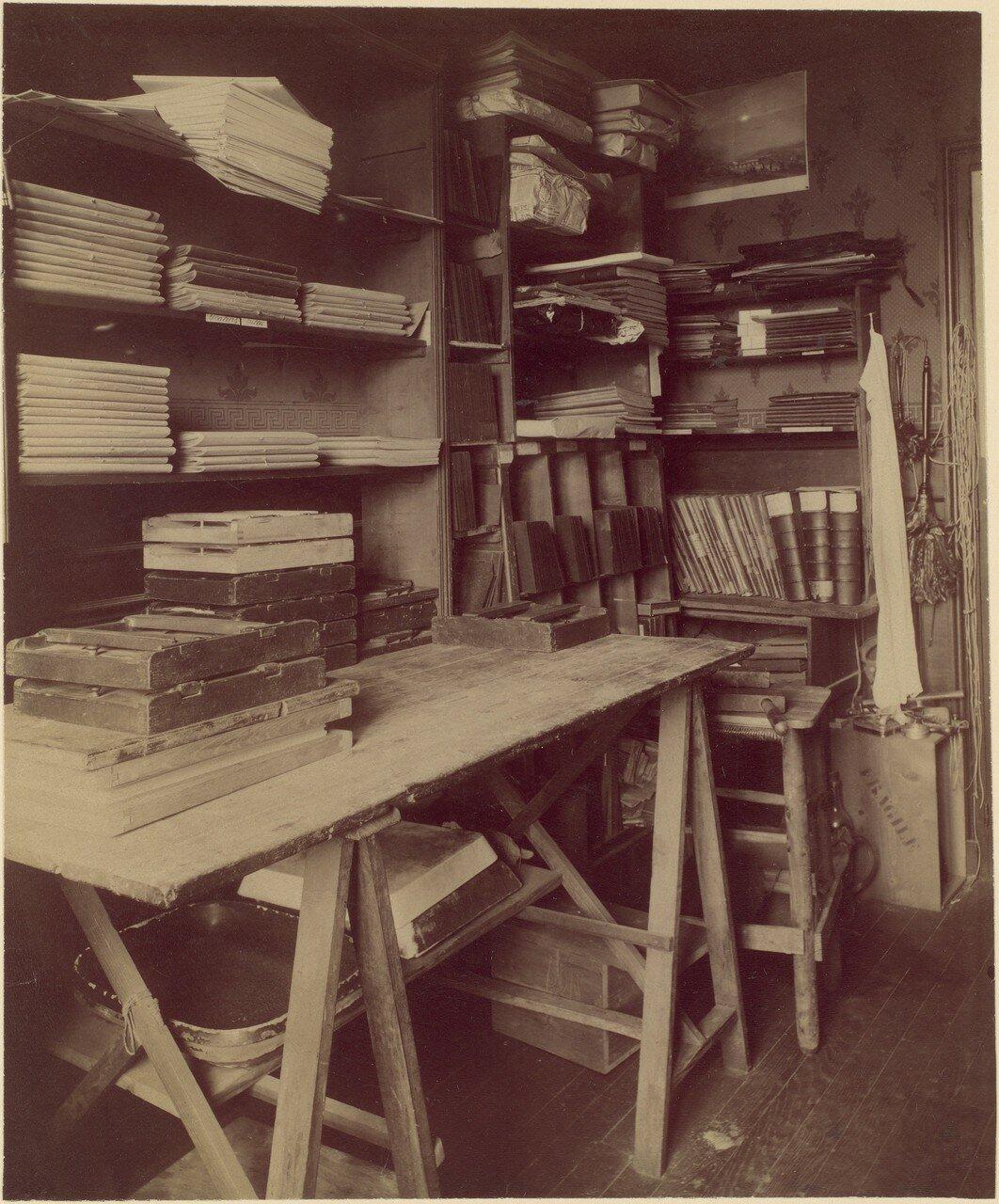 1910. Мастерская Атже с копировальной рамой