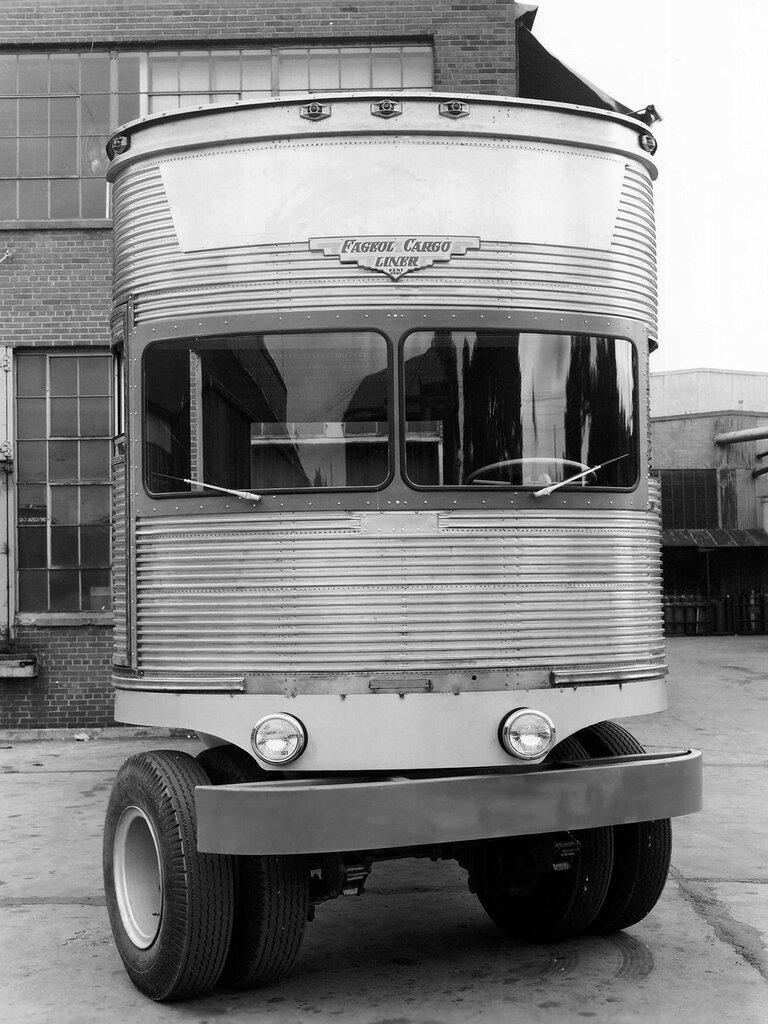 Fageol TC CargoLiner '1950 6.jpg