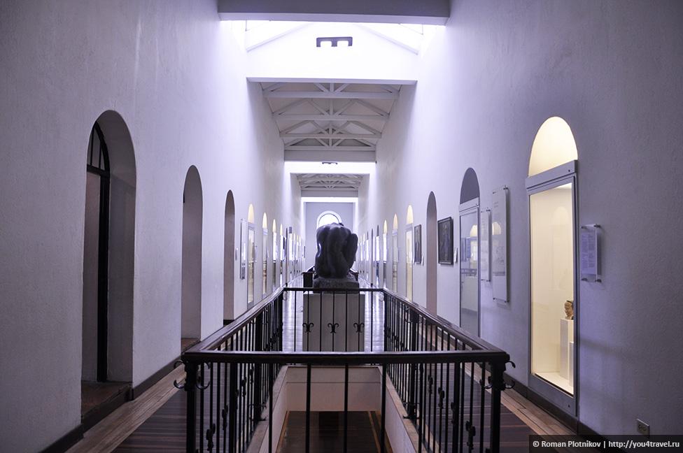0 1919b0 3a41ca29 orig День 209 211. Парламент Колумбии в Боготе, Национальный музей и Президентский Дворец