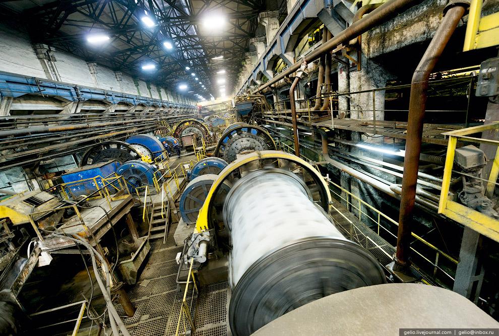 35. Основной производственной площадкой «Святогора» является металлургический цех. Отсюда черновая м