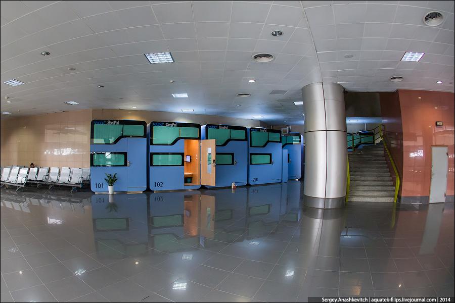 Капусульный отель в аэропорту Ханоя