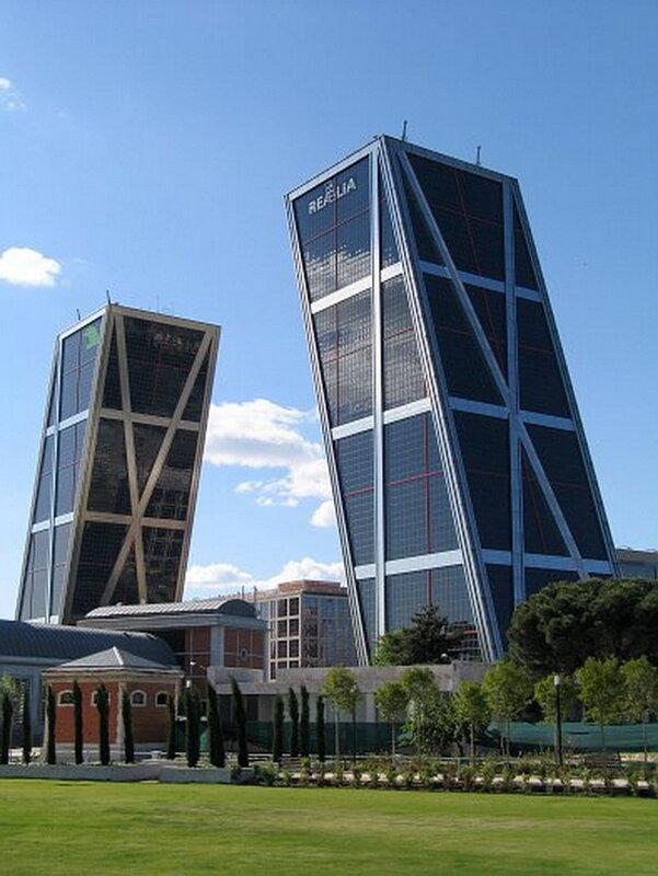 Башни Ворота Европы. Мадрид