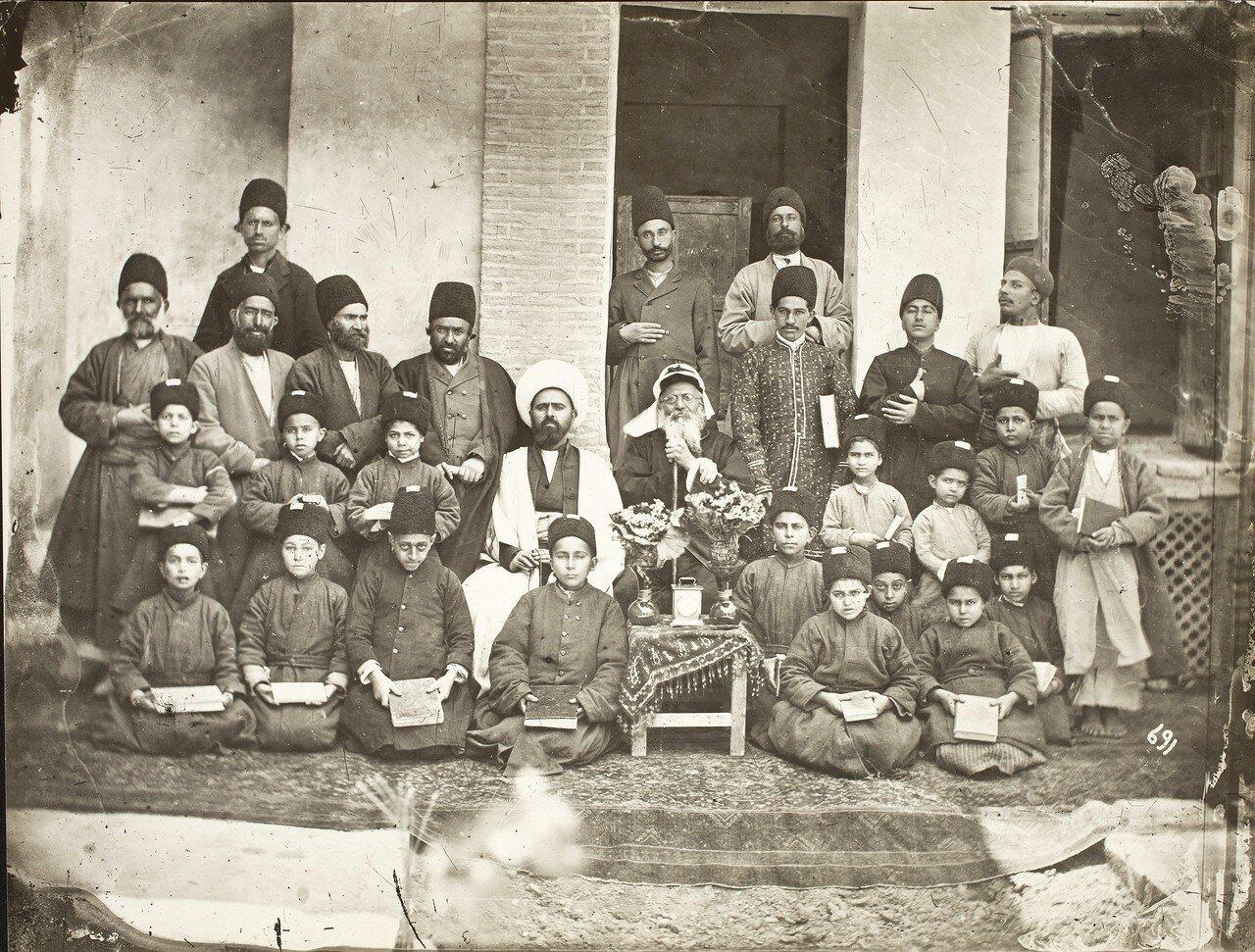 Персидская школа