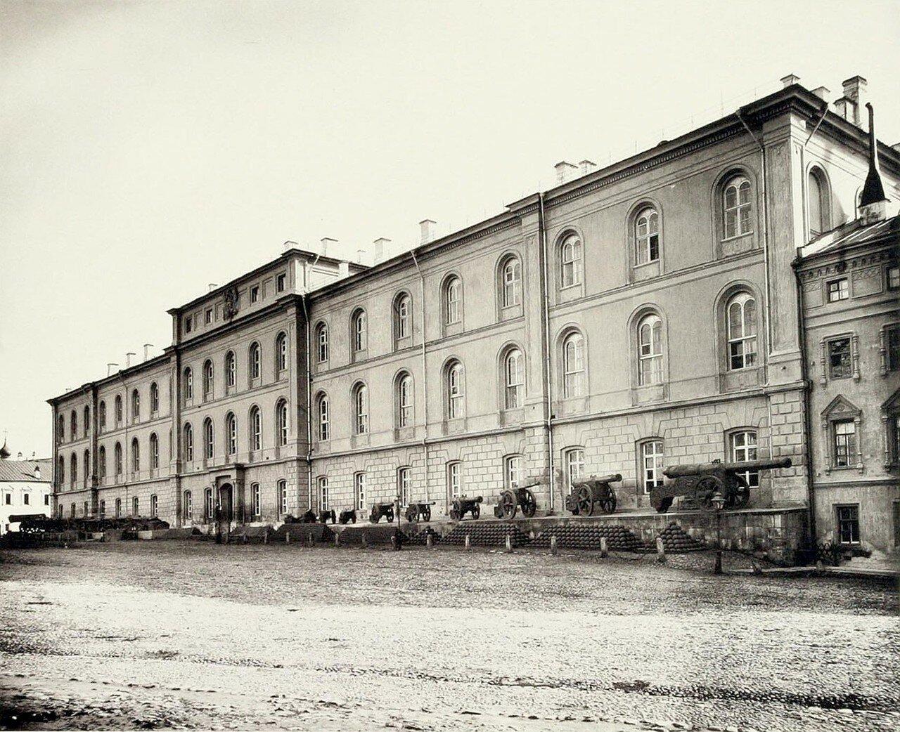 377. Кремлёвские казармы