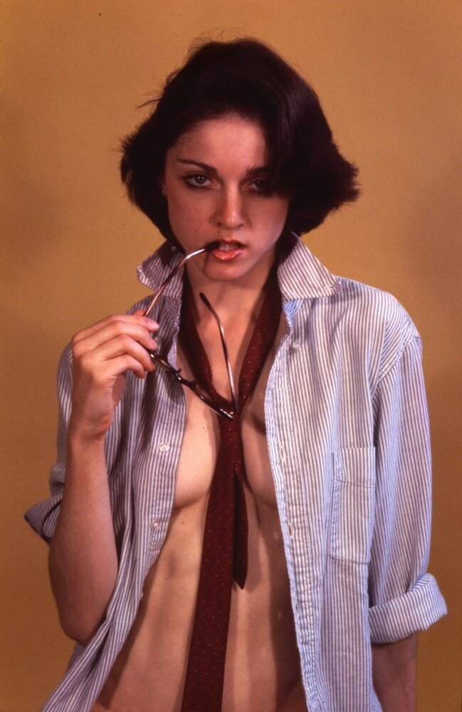 Never-before-seen Madonna pictures in an early photo shoot from 1977.jpg