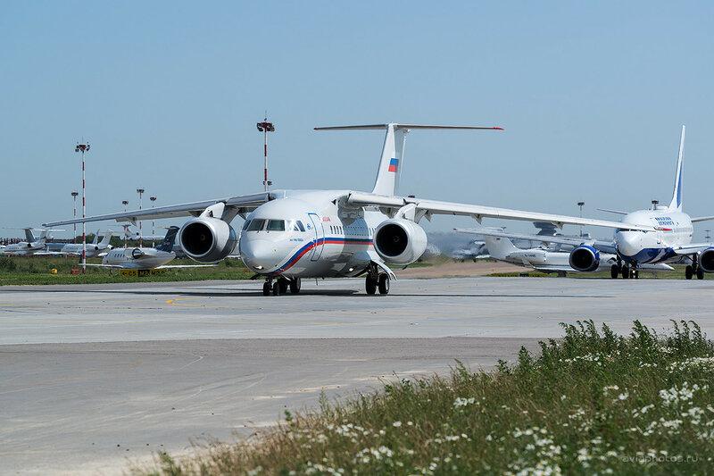 Антонов Ан-148-100ЕА (RA-61720) Россия D806239