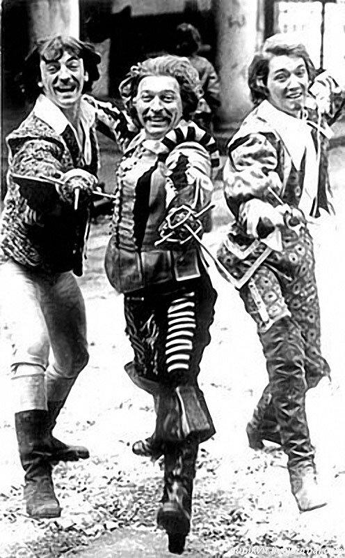Как проходили съёмки «Д'Артаньян и три мушкетёра». Часть 1 гвардейцев, фильма, съёмок, д'Артаньяна, Балон, сцены, Михаил, после, площади, лошадей, драки, Мишей, «Драка, чтобы, мушкетёров, Ващилин, Николай, Менга, фехтовать, кардинала