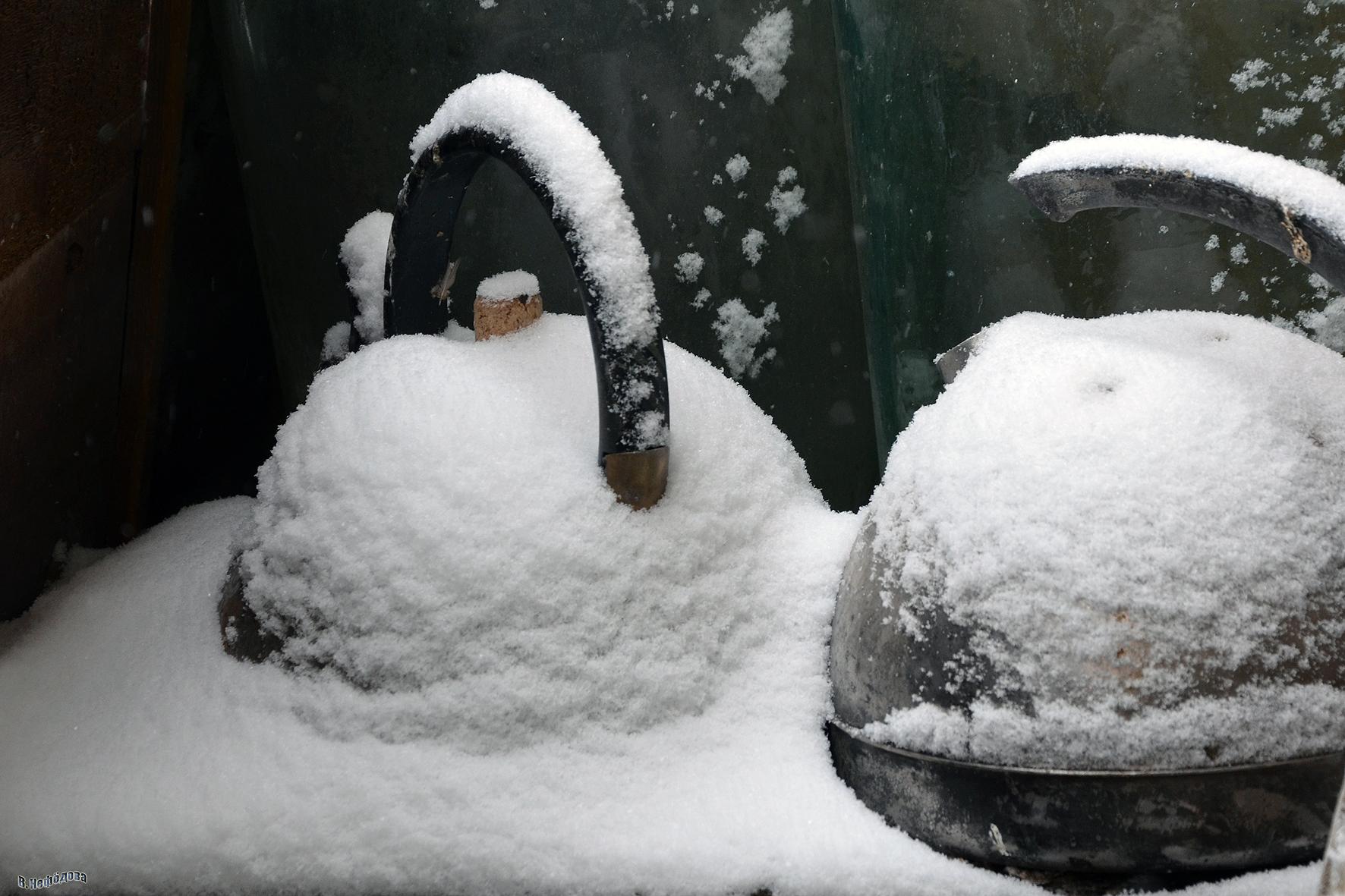 В. Нефедова – Чайники на снегу
