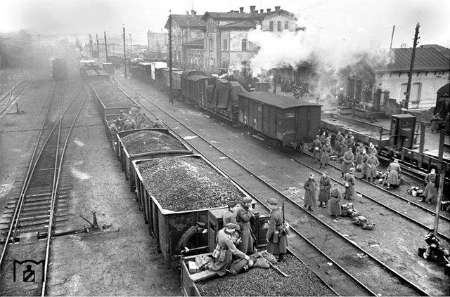 Эвакуация немецких войск из Кировограда, октябрь 1943.jpg