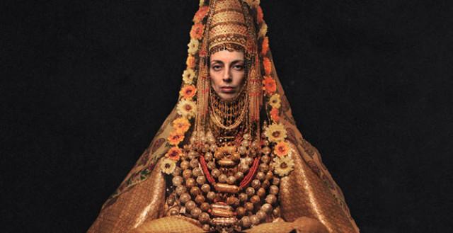 0 1293ef cd215a09 orig Свадебные наряды невесты в разных странах (головной убор)