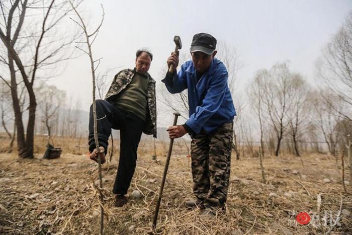 Супермены: в Китае два инвалида спасают деревню от потопа 0 1308b8 bf8408a8 orig
