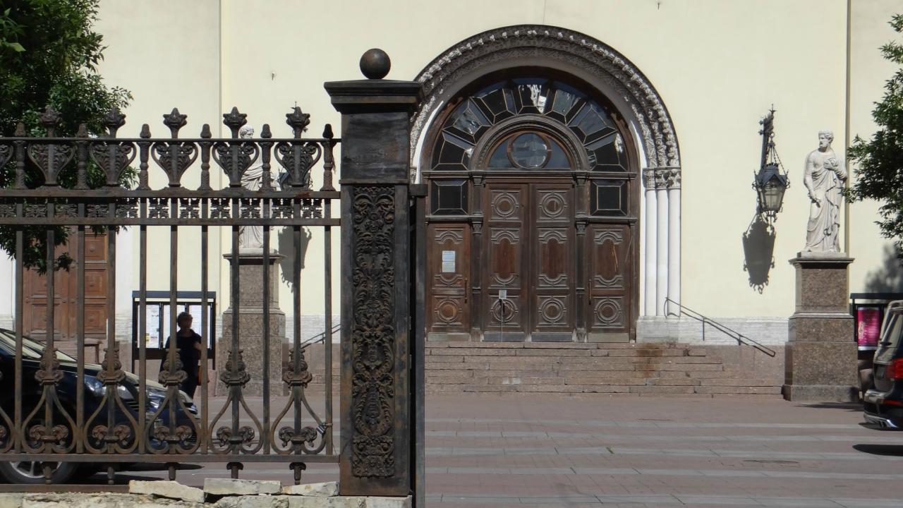 церковь на Невском пр.