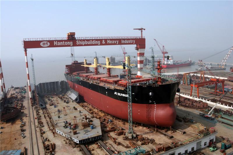 9. Уголь. Китай добывает ежегодно 1.8 миллиардов тонн угля. Это — 48.2 % мирового произ