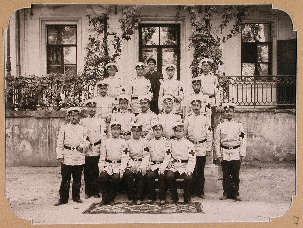 07. Отряд санитаров, предназначенный для плавучего госпиталя, организованного на пароходе «Царица». Одесса. 1904-1905