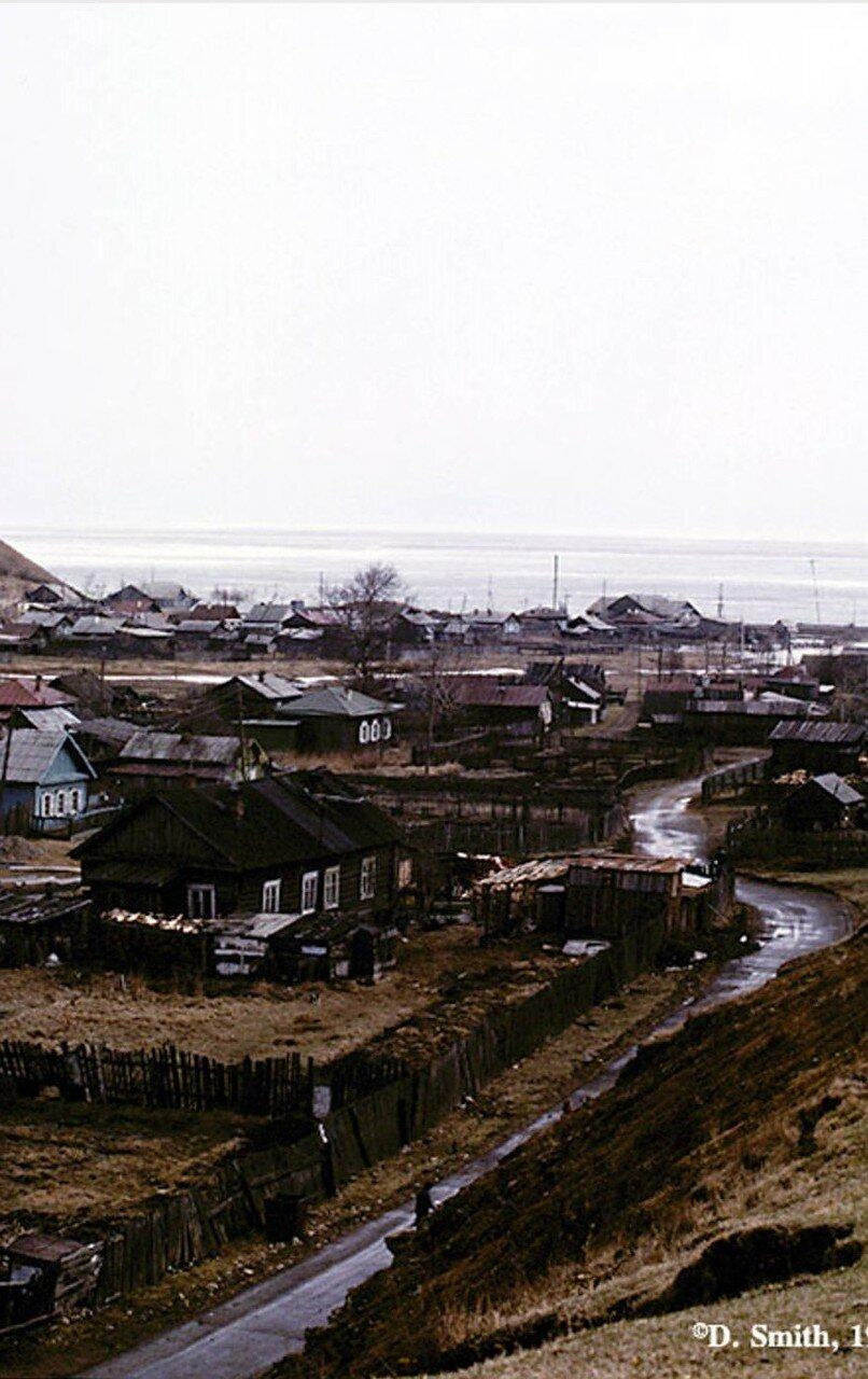 Листвянка на озере Байкал