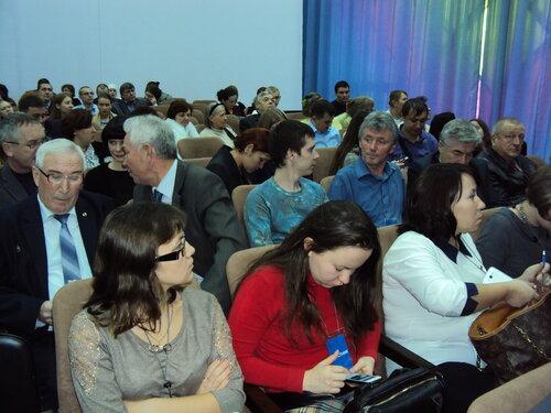 В конференц-зале на 1-м Форуме НКО ЧР