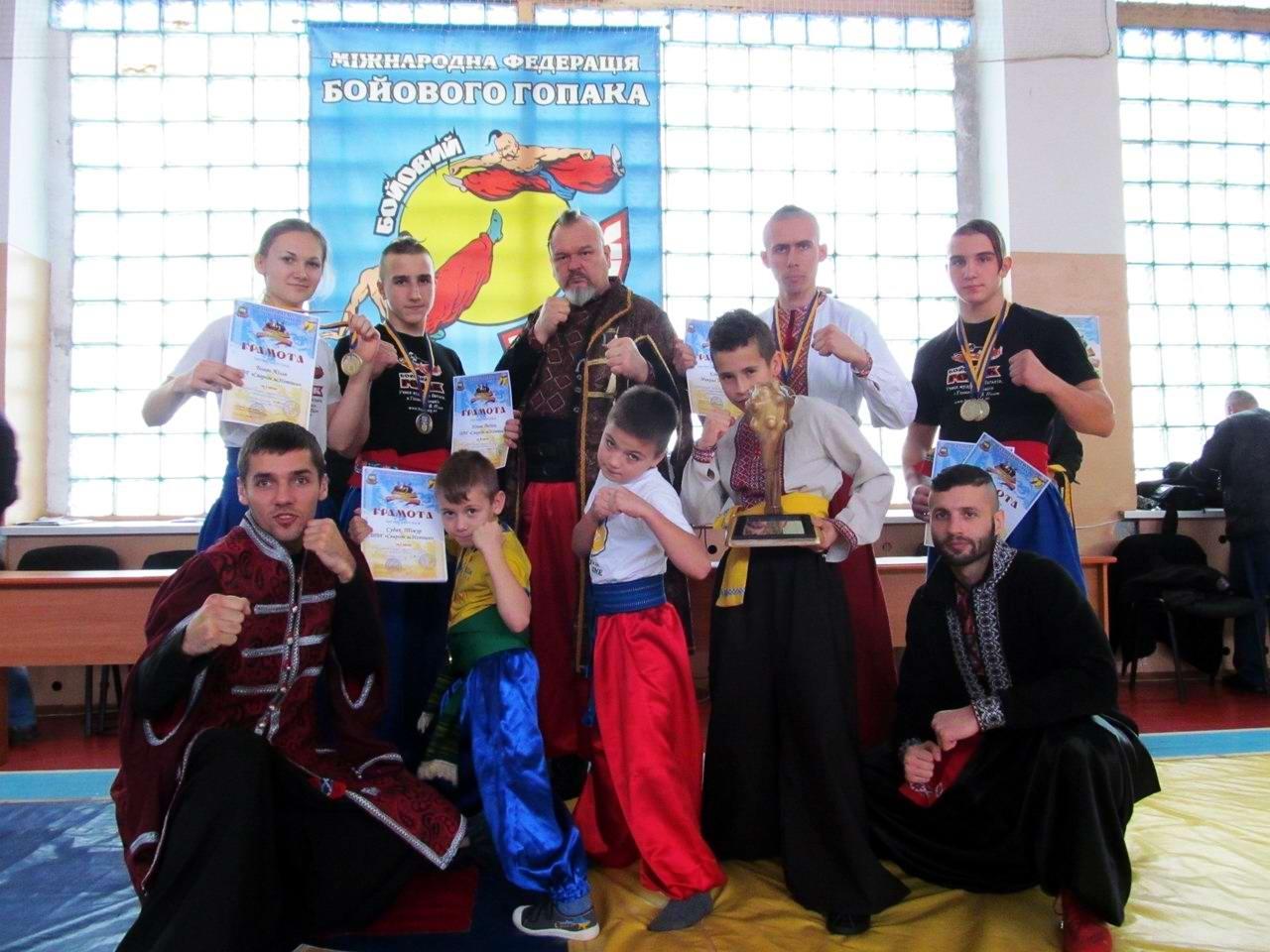 Квалификационный групповой экзамен в школе боевого гопака города Нетешин (Хмельницкая область) (35)