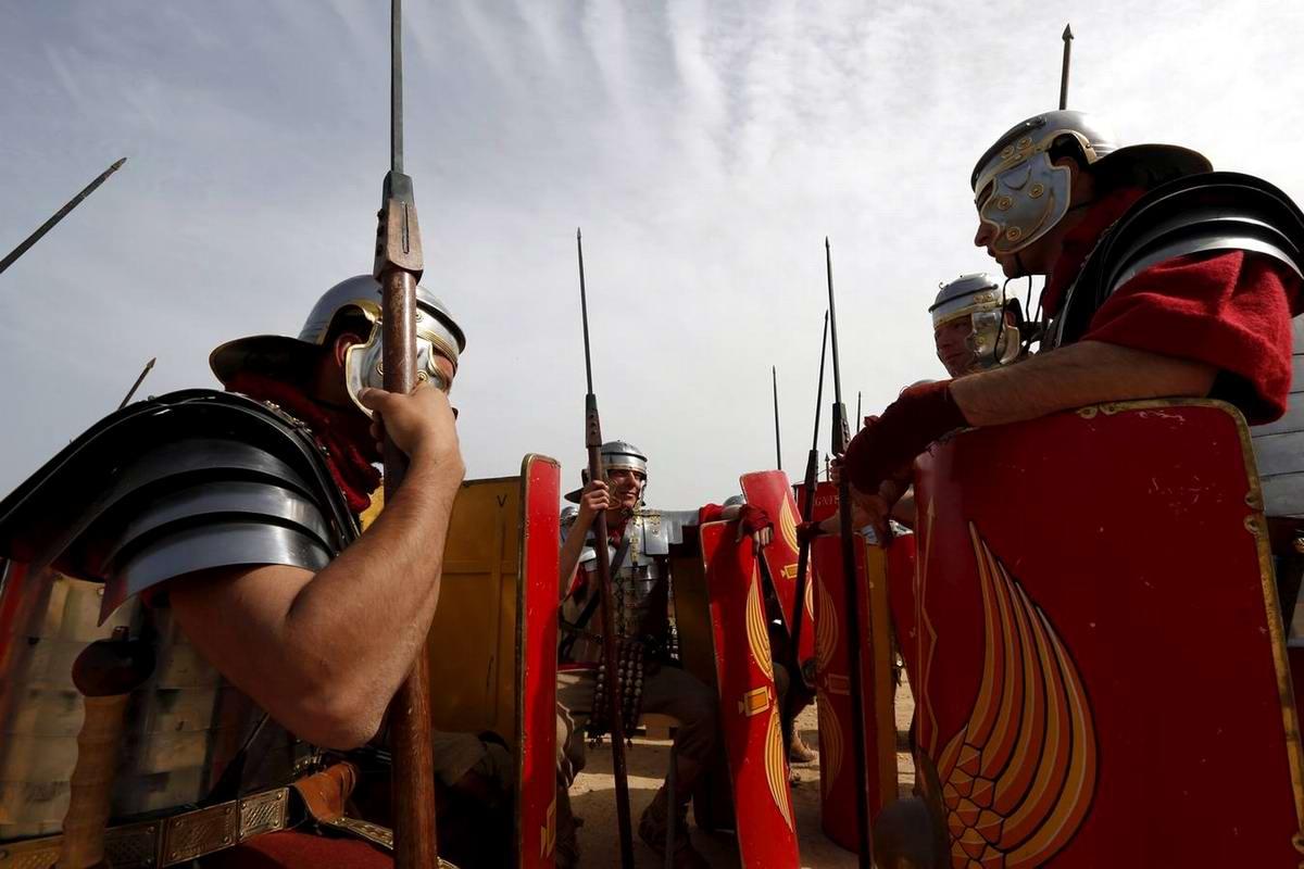 Легионеры армии Древнего Рима: Современный вариант попытки захвата острова Мальта (5)