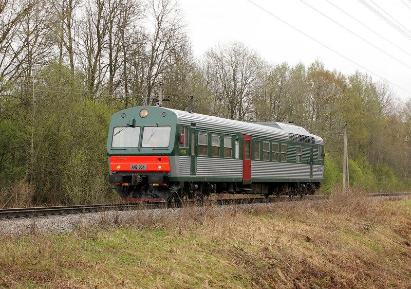 АЧ2-064 с пригородным Вязьма - Ржев на перегоне Рождествено - Ржев-Балтийский