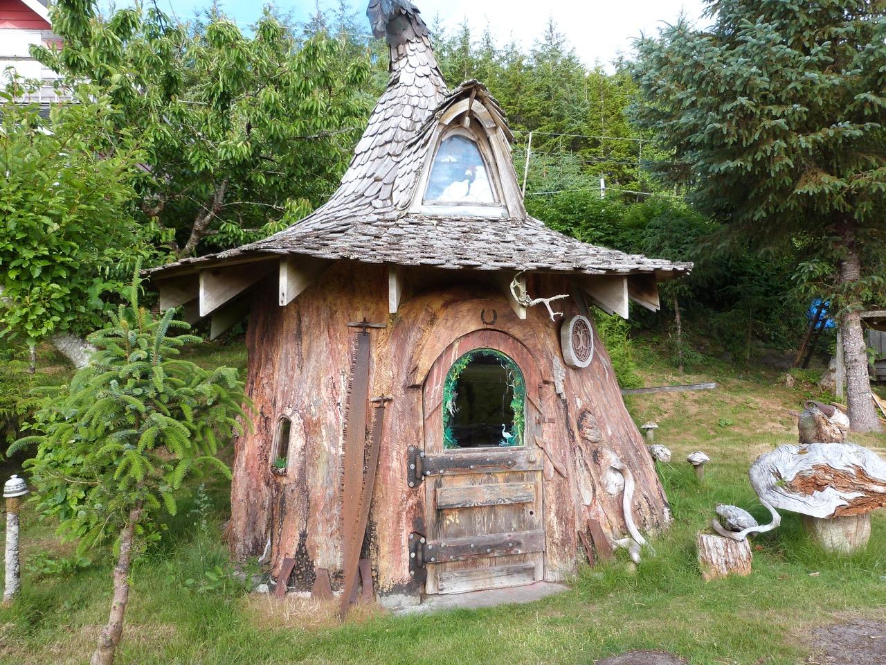 Сказочный домик на пне своими руками