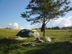 Отдых с палатками на озере Ильмень в Новгородской области