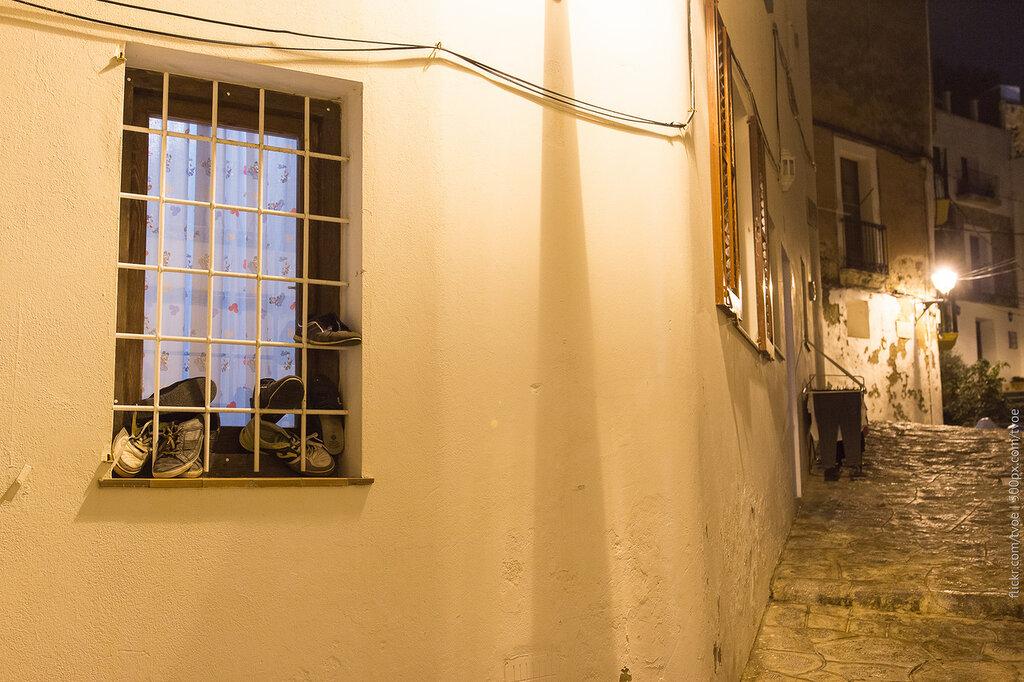 Обувь в окне на Ибице
