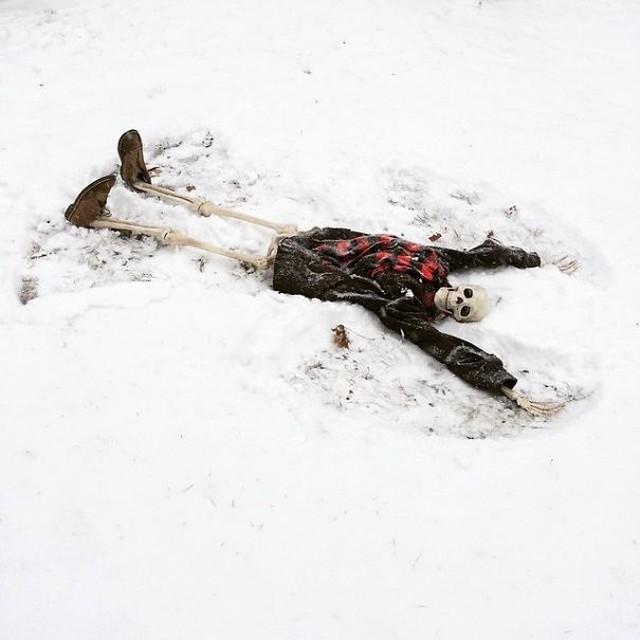 скелет-пародия-на-девушек9.jpg