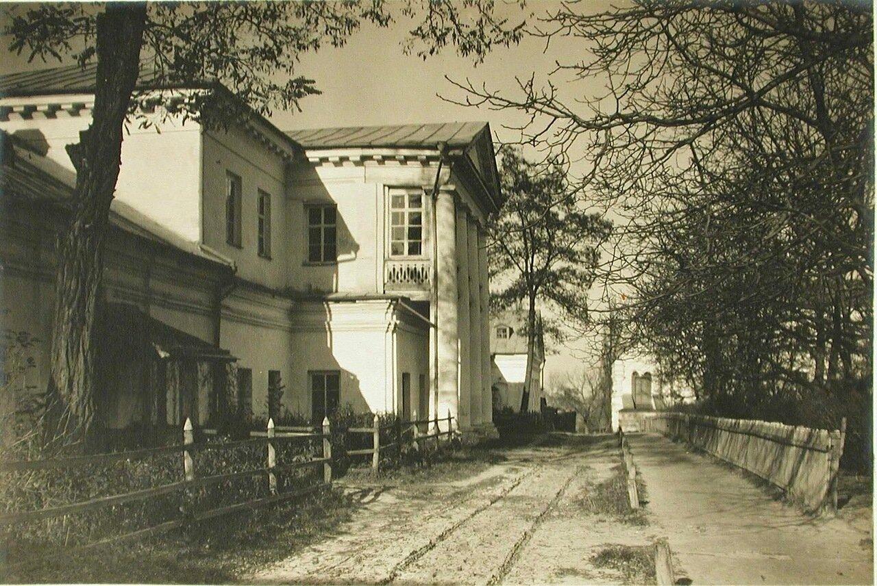 34. Вид одного из строений Спасо-Преображенского монастыря, в котором находились покои игуменьи