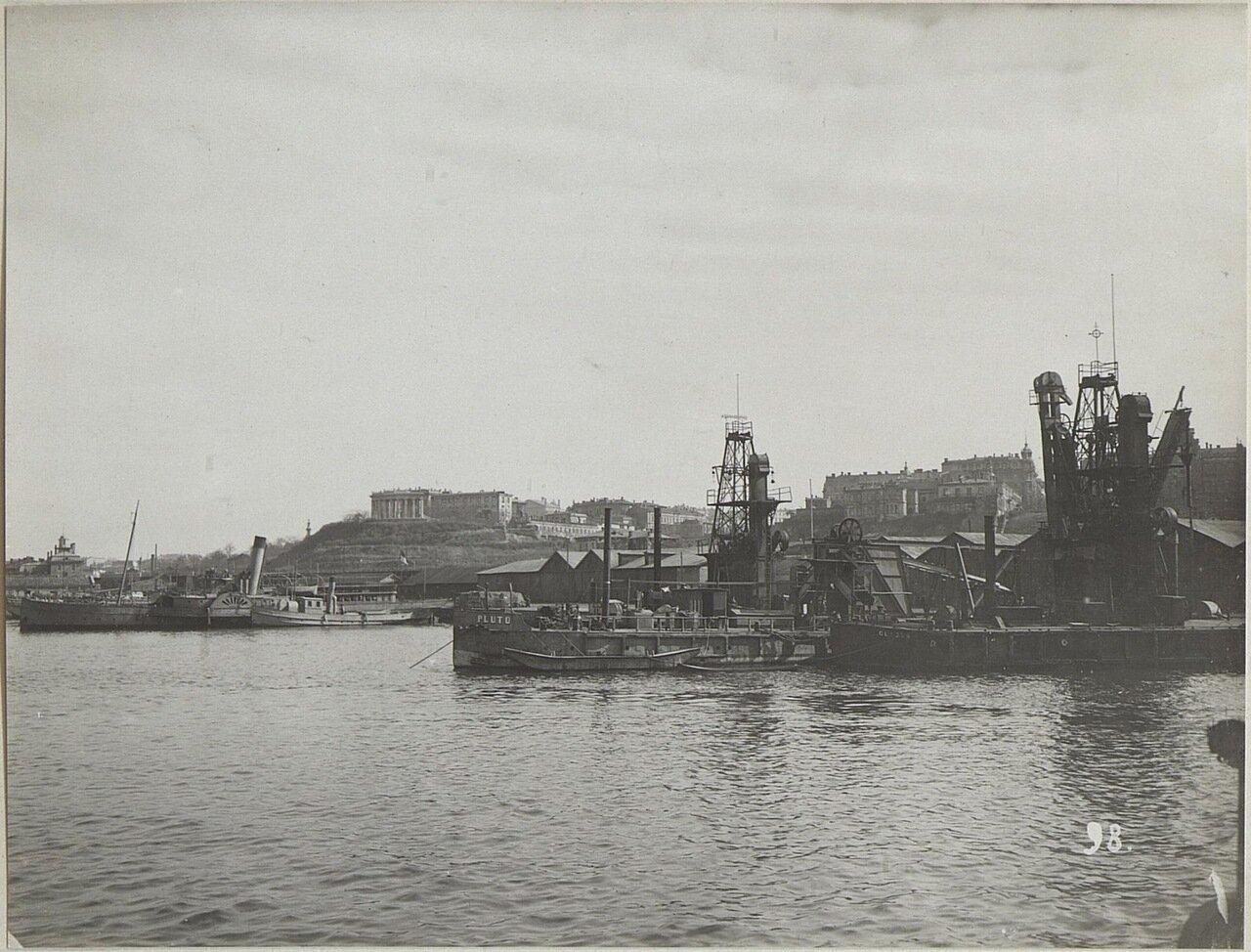 Вид на порт и город с Платоновского мола