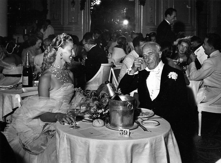 1950. Графиня Гаэль и г-н Педро, Биарриц