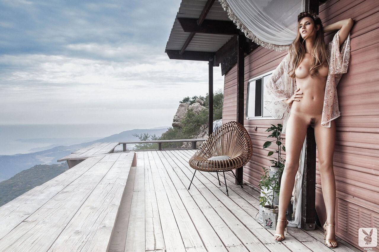 naked-italian-model