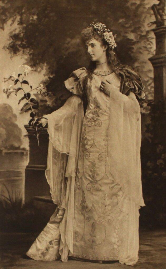lady-alice-montagu-as-laure-de-sada-ad1300-page-201.jpg