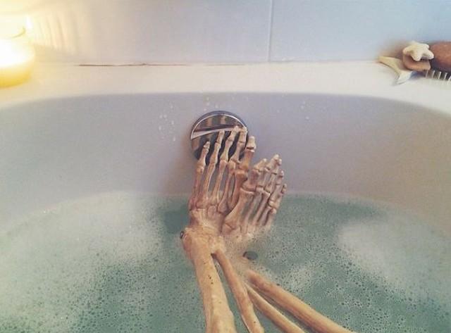 скелет-пародия-на-девушек14.jpg